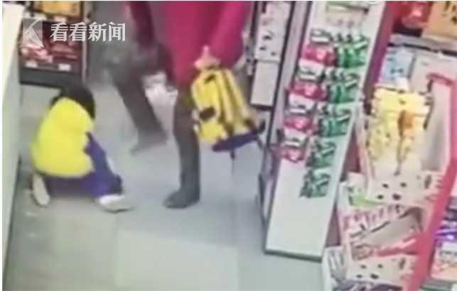 奶奶在超市暴打孙女,这样的奶奶你怎么看待?