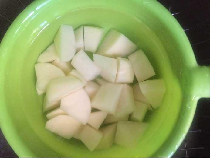 土豆烧老母鸡的家常做法