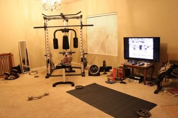 在家里健身和去健身房健身哪个好呢?